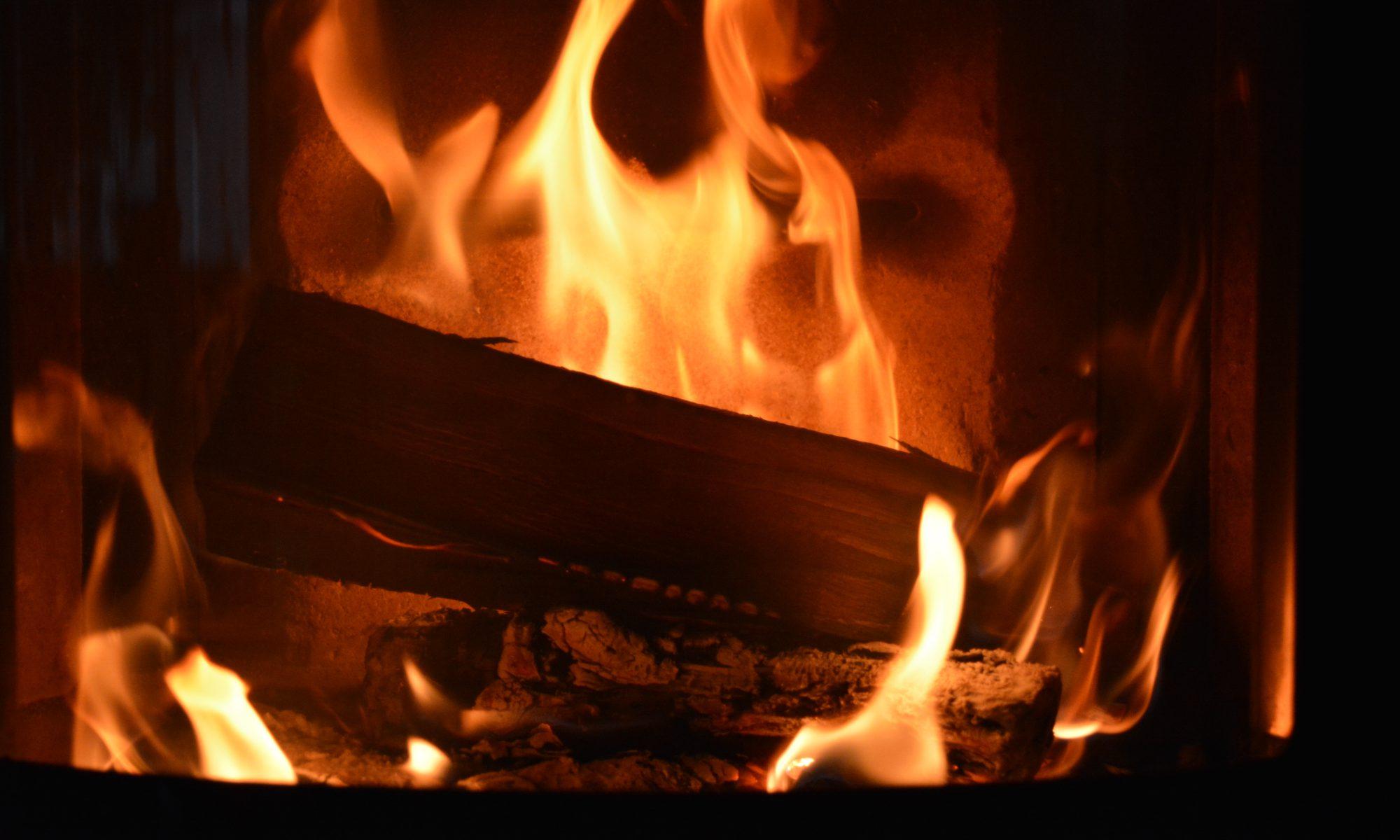 Feuer-Kamin-Gemütlichkeit