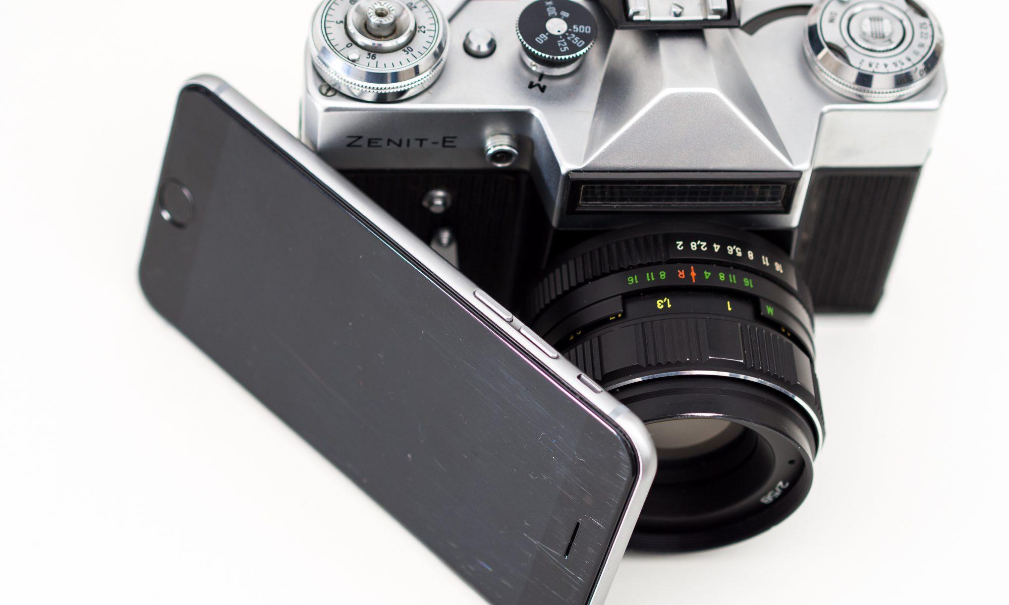 Smartphone-vs.-Kamera